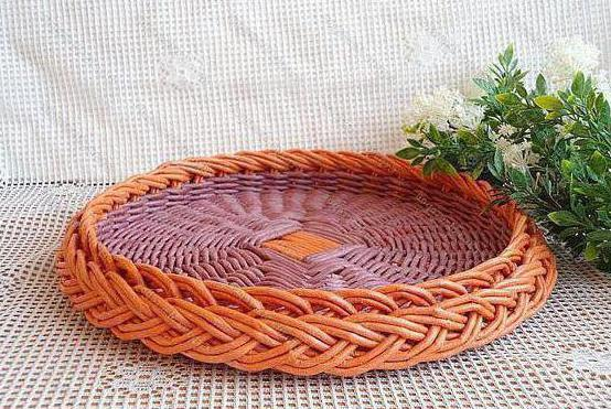weaving from newspaper tubes for beginners step by step